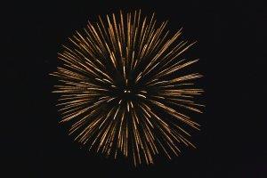 golden-starburst-fireworks