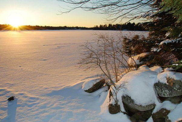 800px-frozen-lake-echo